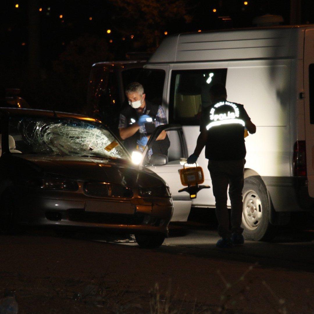 Ankara'da sol şeritte zorla indirilen kadına arkadan gelen başka araç çarptı