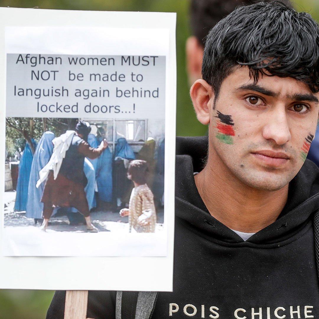 Brüksel'deki Afganlardan Taliban karşıtı protesto