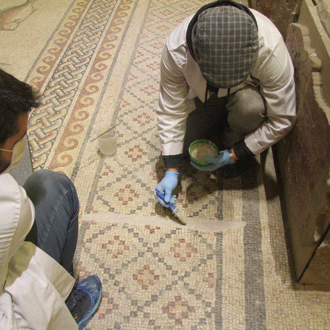 Dünyaca ünlü mozaikler gelecek nesillere aktarılıyor