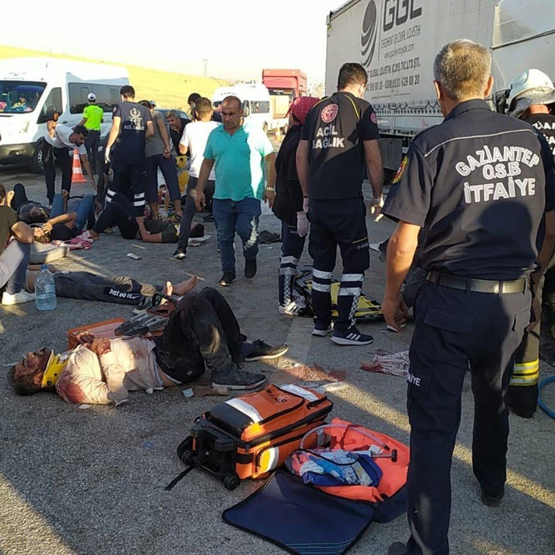 Feci kazada hayatını kaybeden tarım işçileri defnedildi