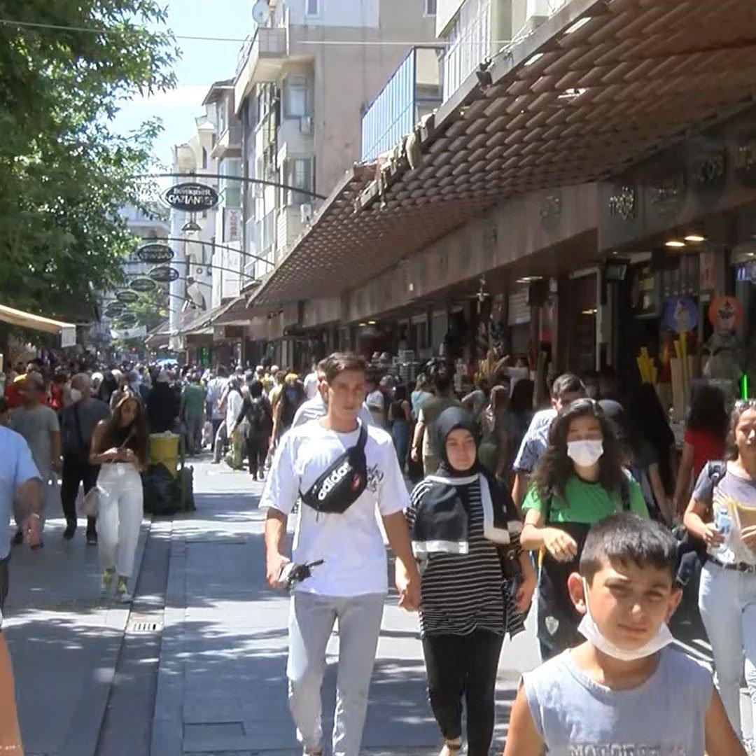 Gaziantep'teki çarşılarda yoğunluk azalmıyor