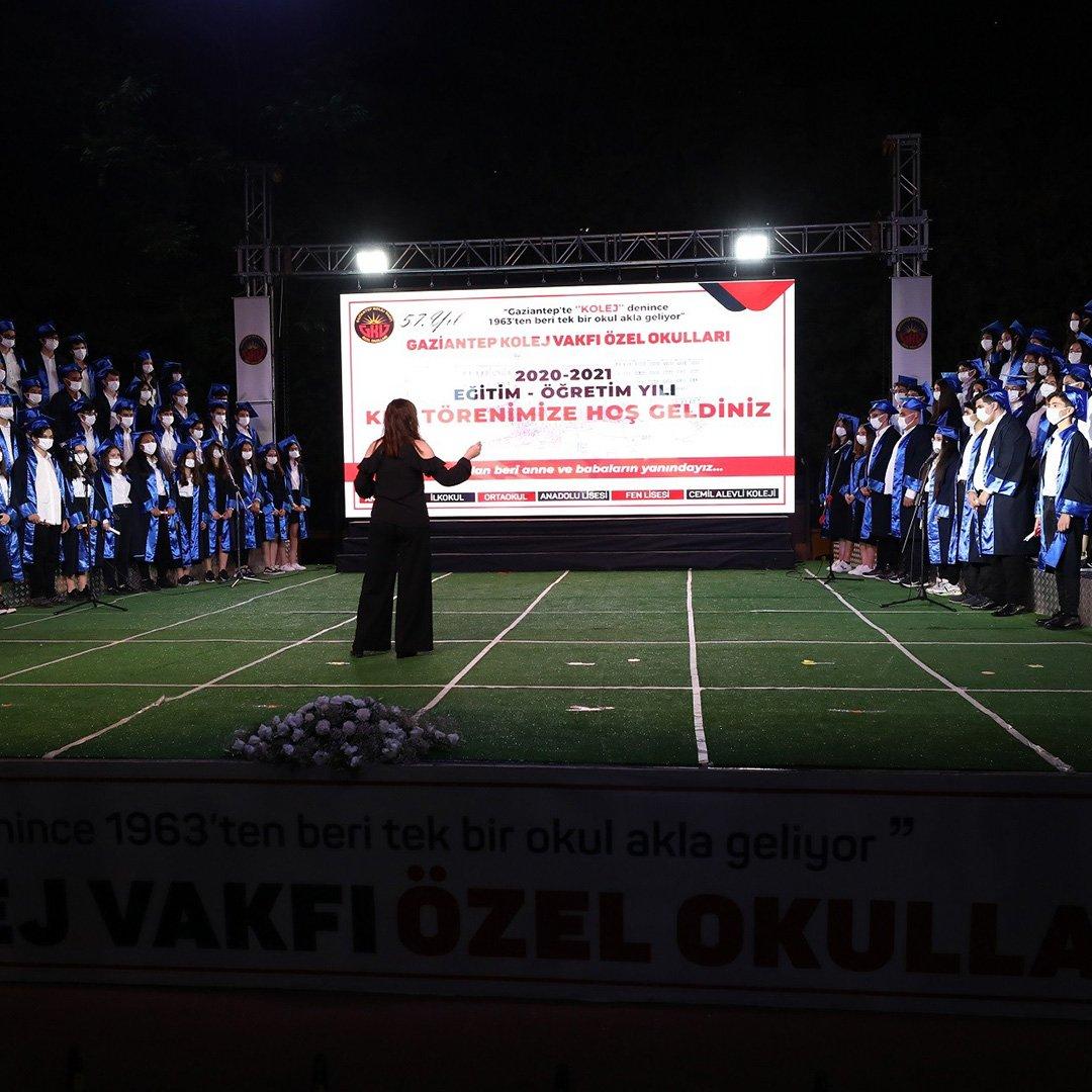 GKV Özel Ortaokulu'nda coşkulu kep töreni