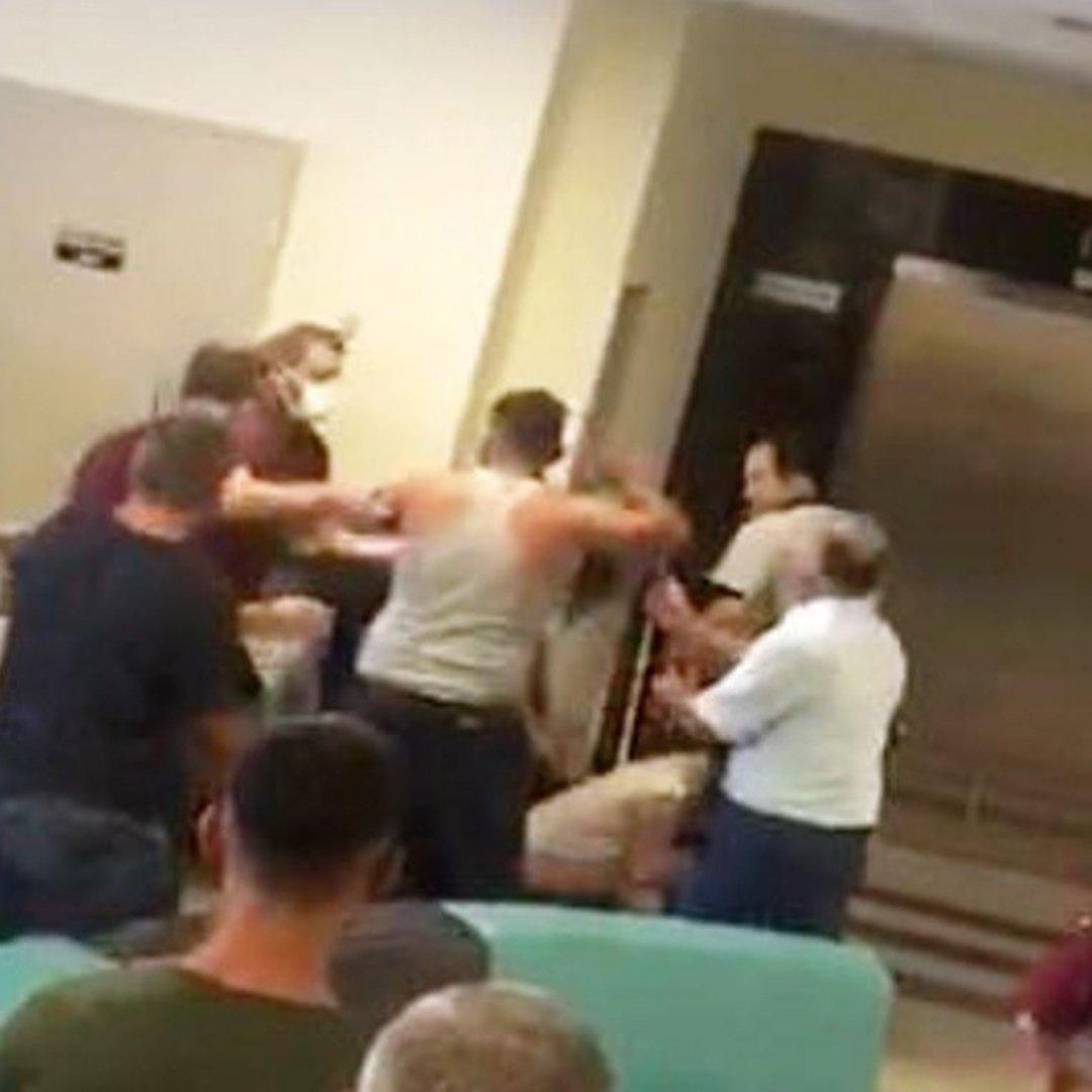 Hastanede güvenlikçiler ile vatandaşların maske kavgası: 3 yaralı