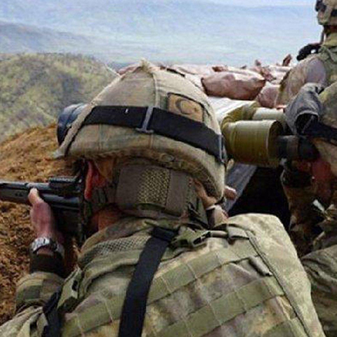 Irak'ın kuzeyindeki Metina'ya kara harekatı başladı