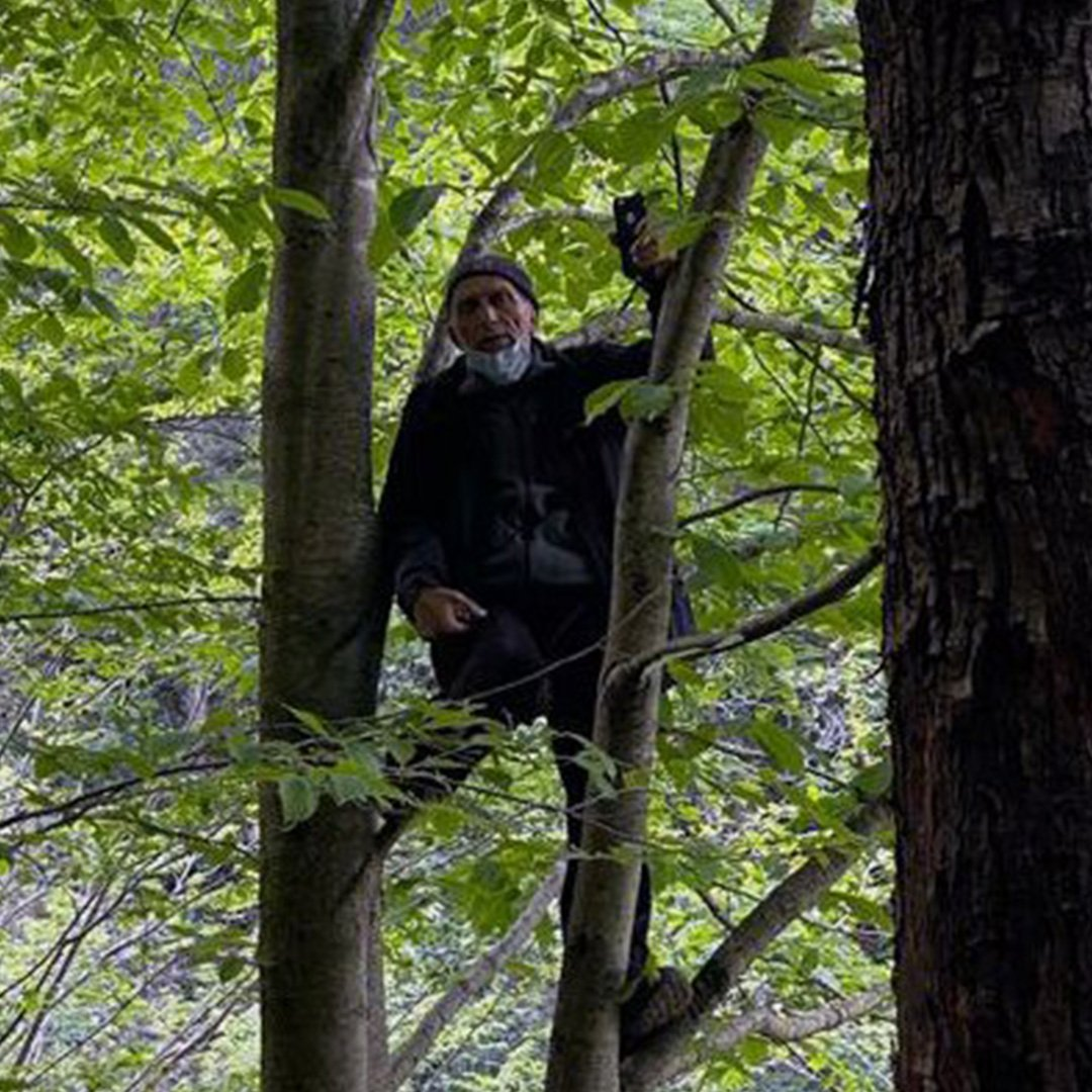 İşkencedere'de köylüler ağaçlara çıktı