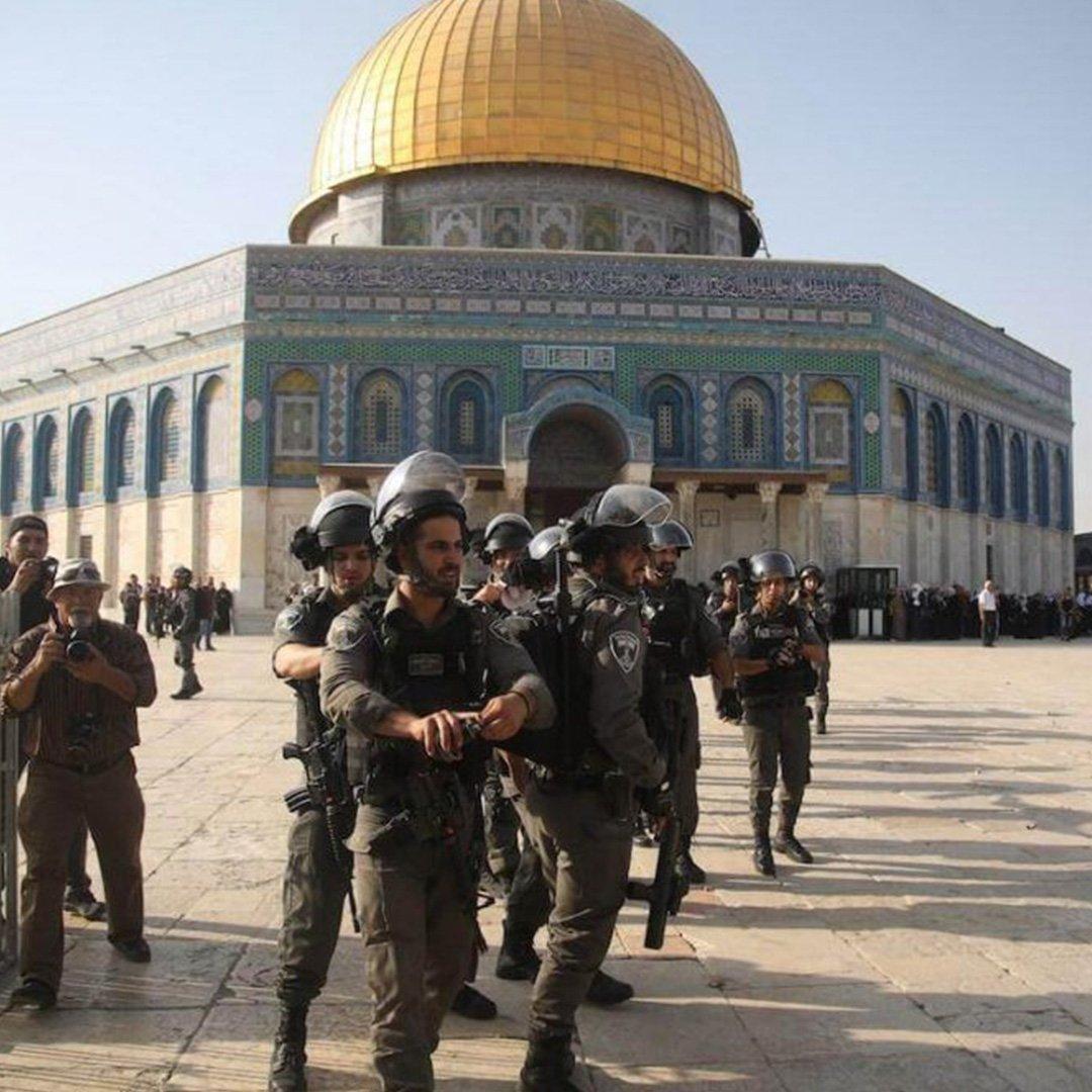 İsrail'den Mescid-i Aksa'da ses bombalı saldırı