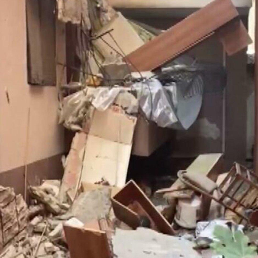 İstanbul'da balkonu çöken bina boşaltıldı