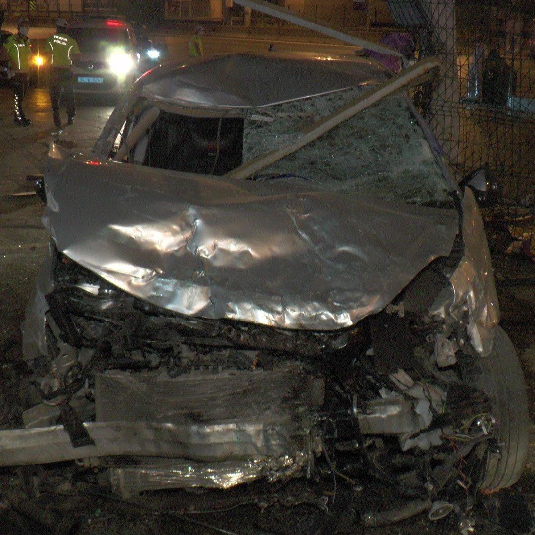 Kadıköy'de korkunç kaza: 1 ölü, 1 yaralı