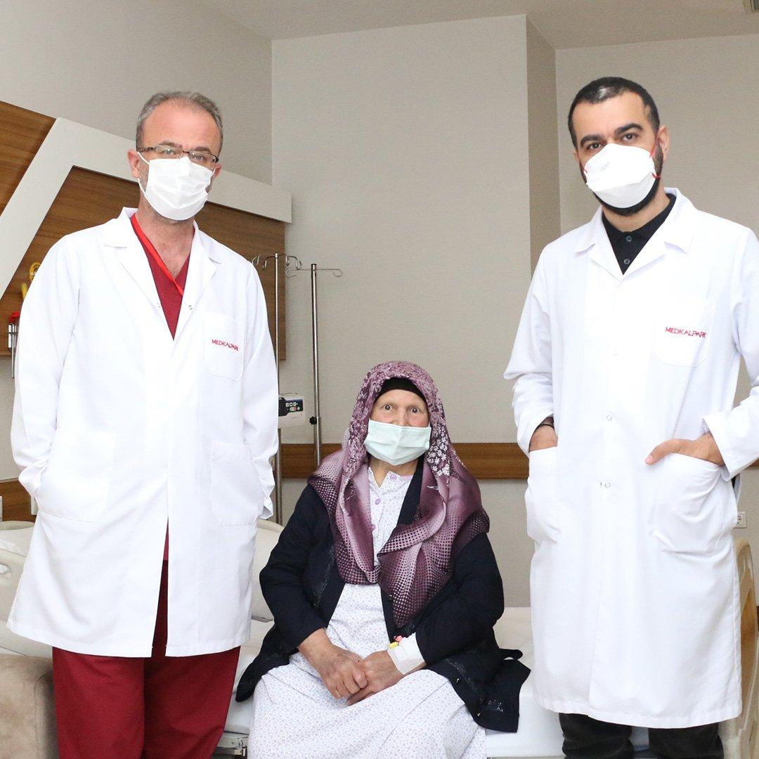Kanser hastası, Medical Park Gaziantep'te hayata tutundu