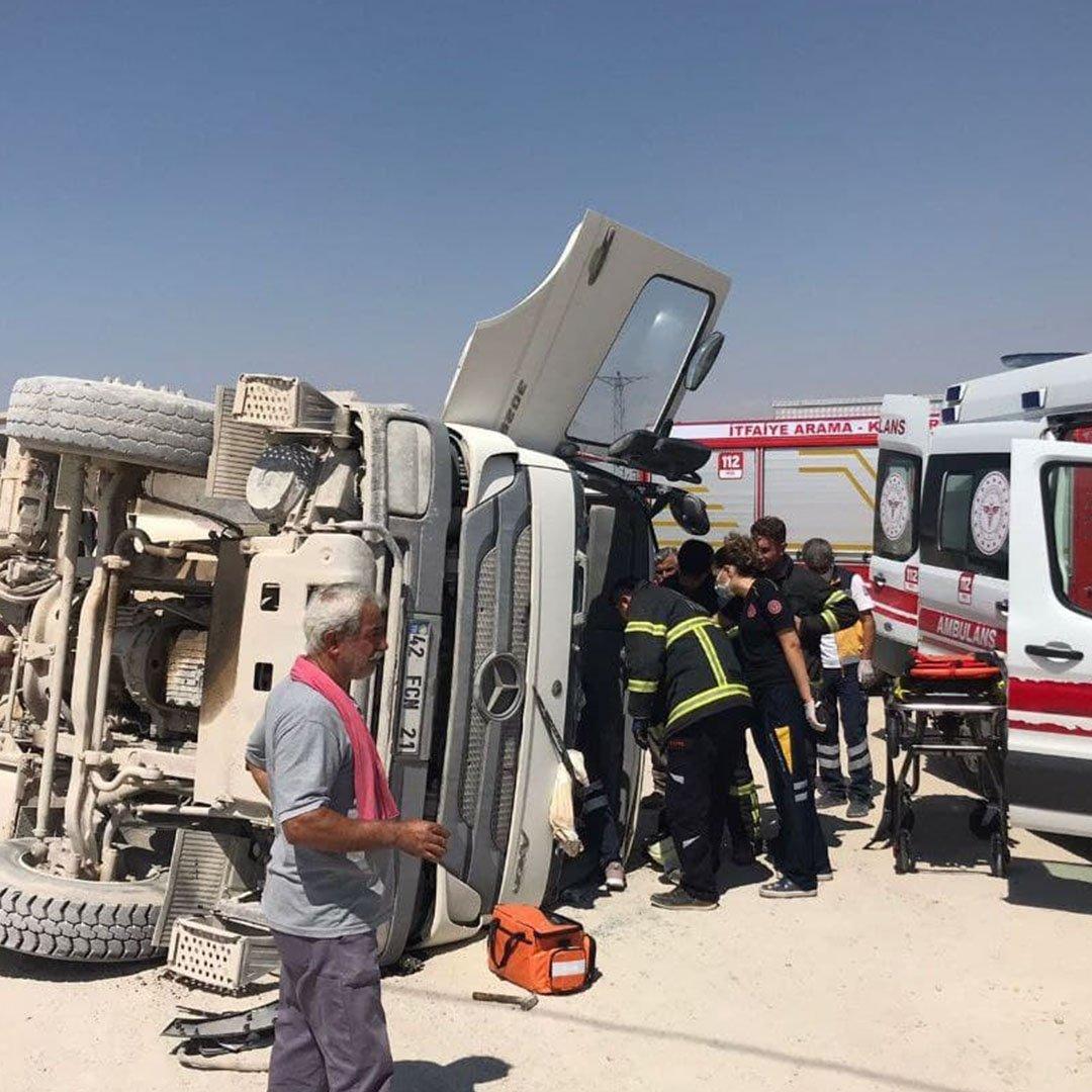 Kantarda devrilen beton mikserinin sürücüsü yaralandı