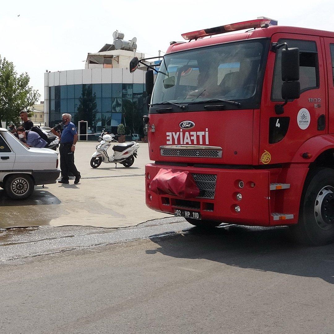 LPG'li otomobil bomba gibi patladı: 3 yaralı