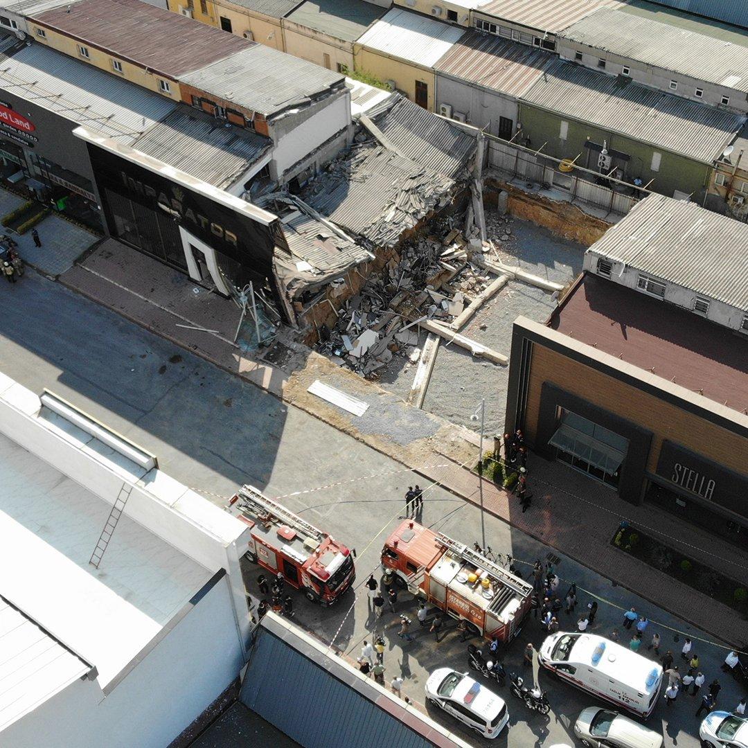 Masko Sanayi Sitesi'nde çöken mağazanın enkazı havadan görüntülendi