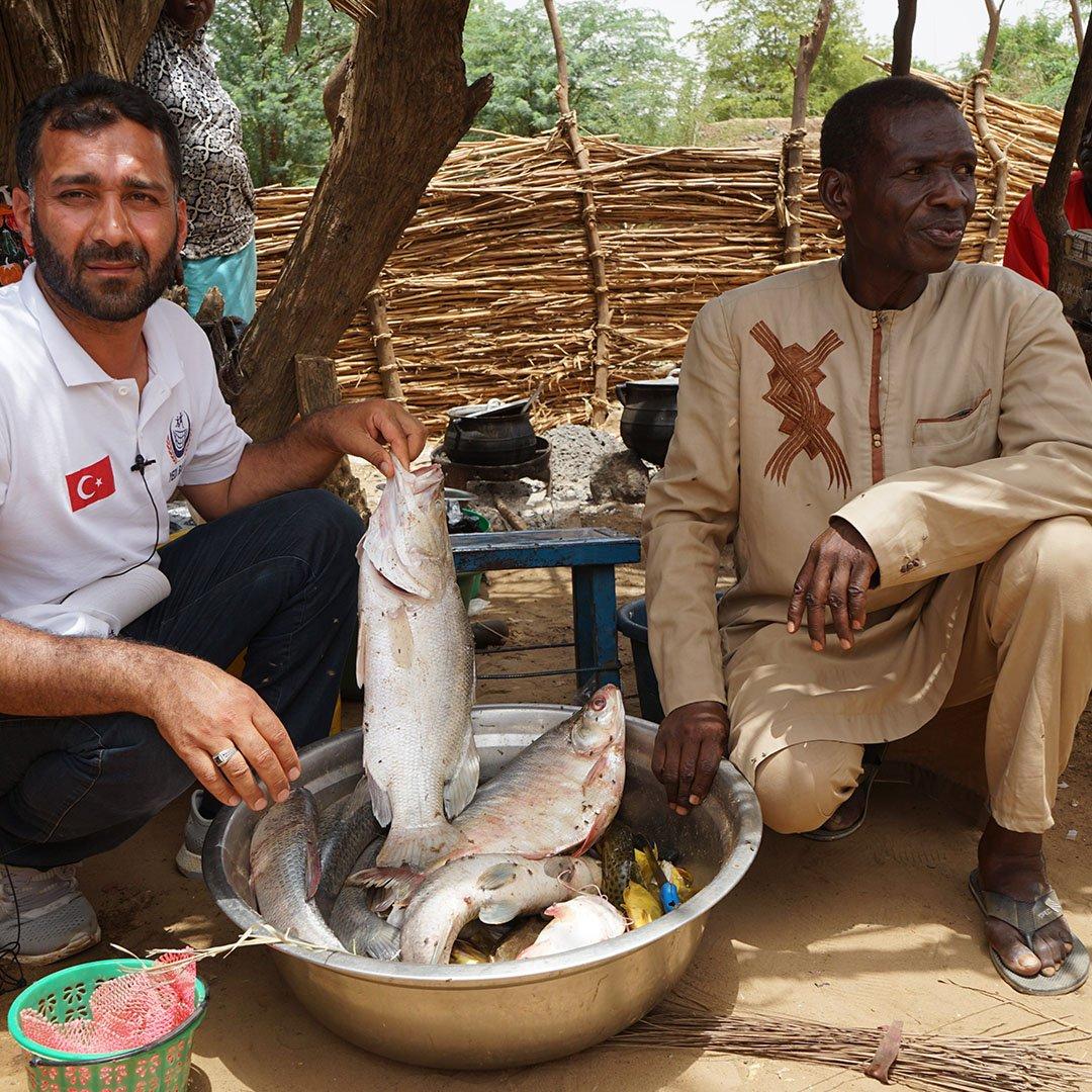 Nijer Vatandaşlarına Balıkçı Teknesi