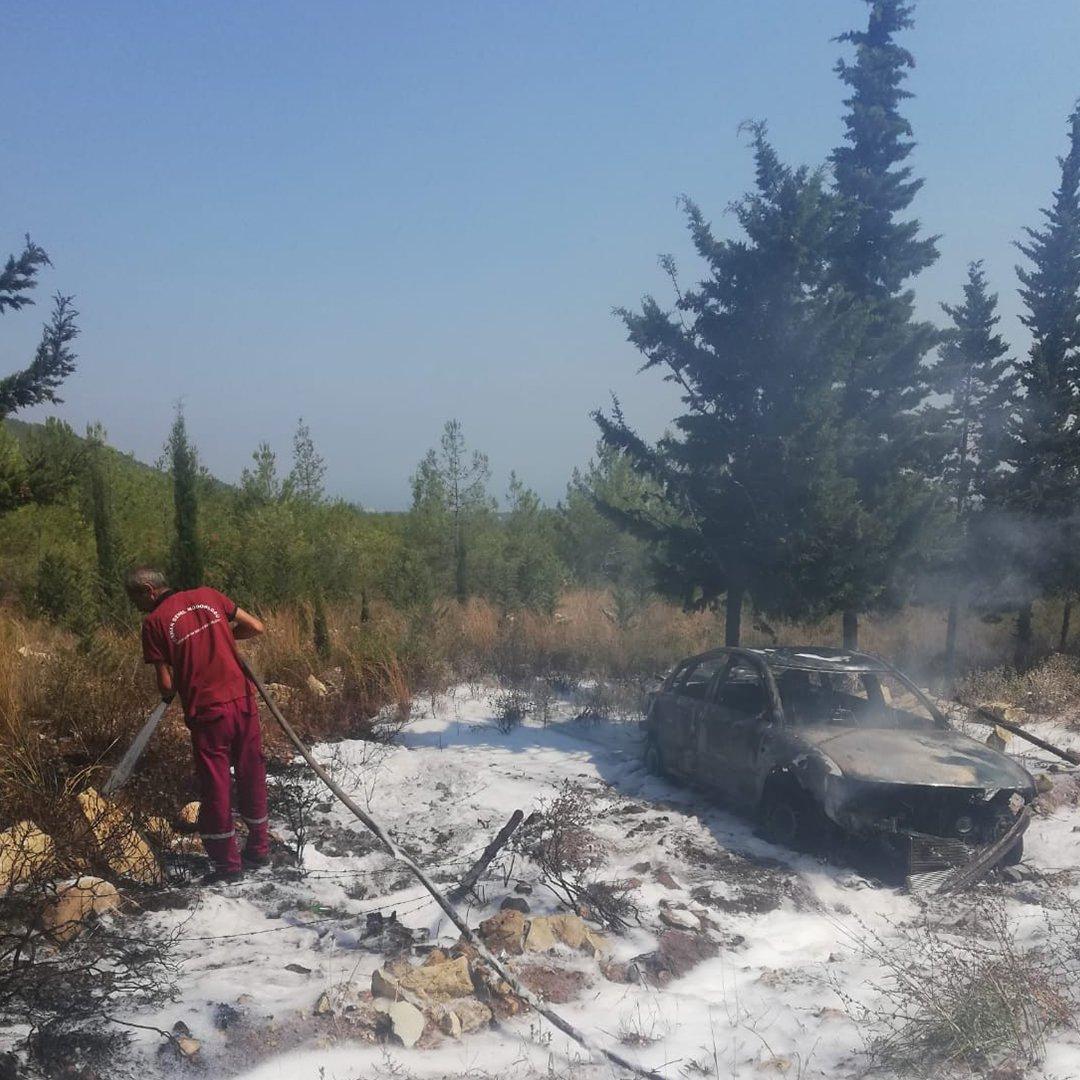 Otomobili saran alevler ormana sıçramadan söndürüldü