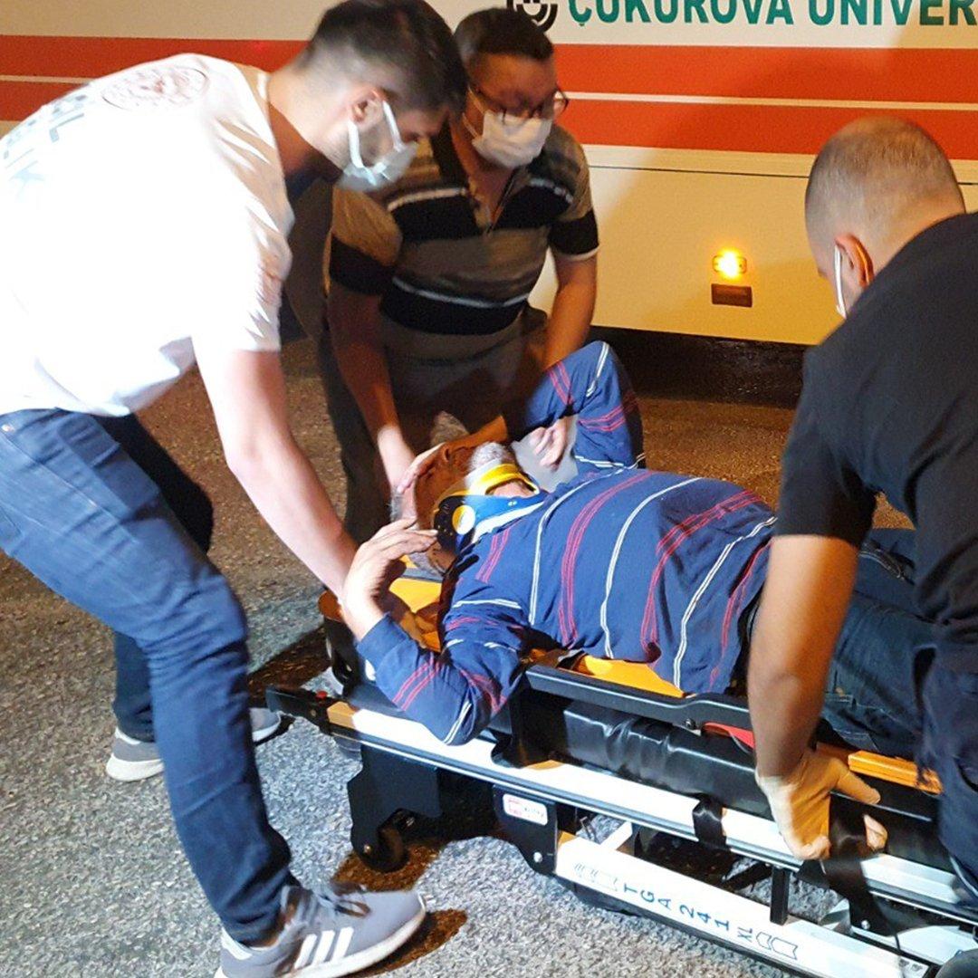 Parkta tartıştığı şahsı boynundan bıçakladı, kaçarken otobüs çarptı