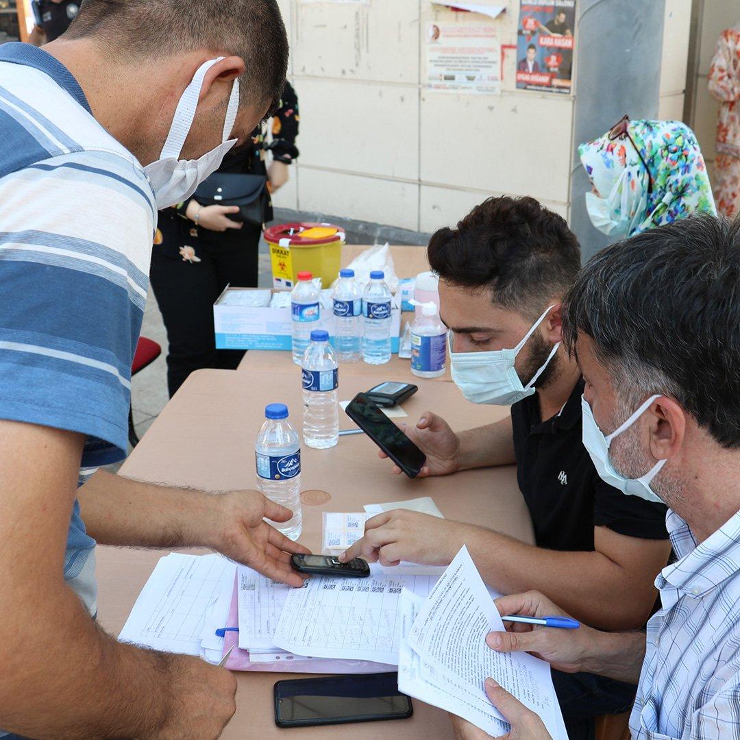 PCR testi zorunlu olunca aşıya rağbet arttı
