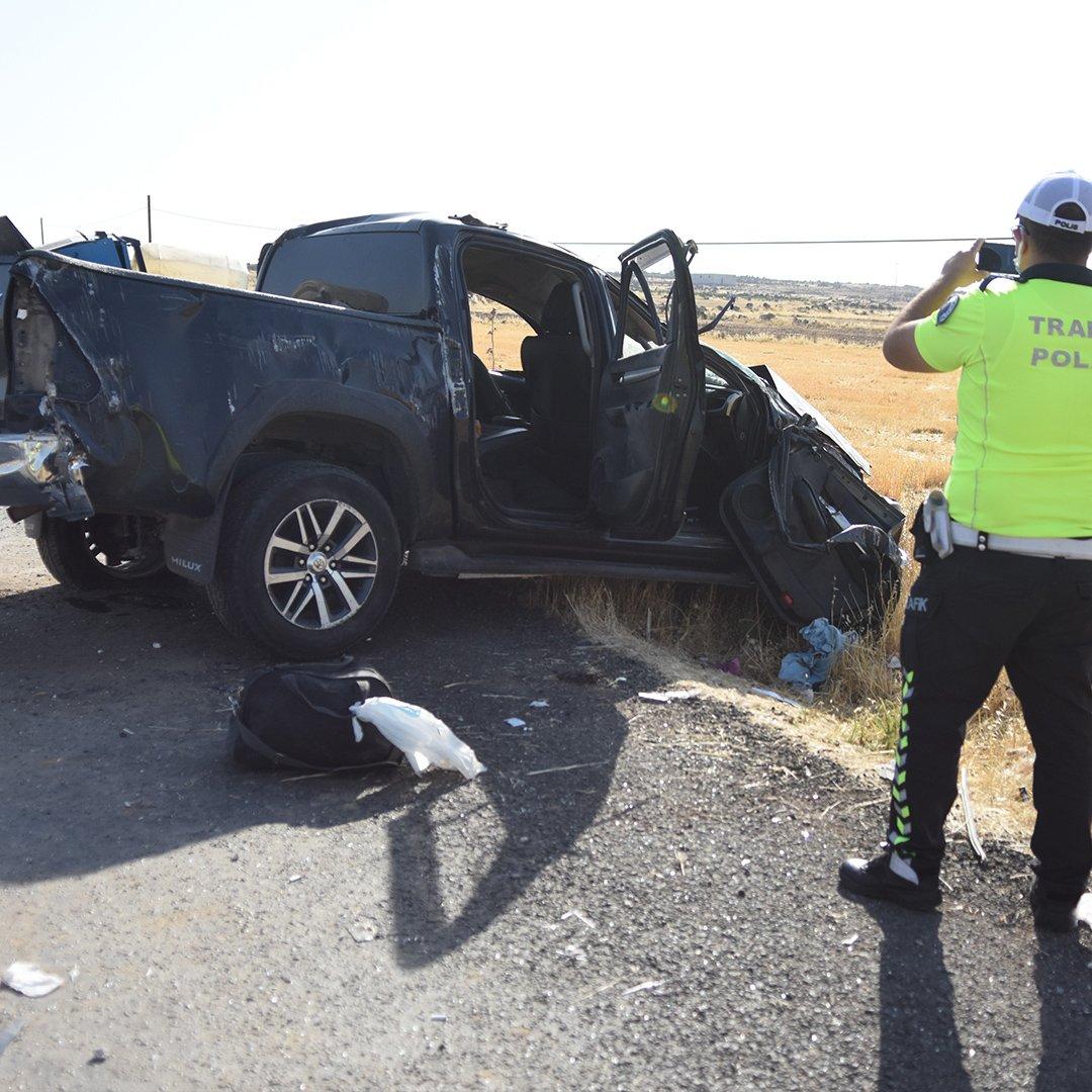 Şanlıurfa'da kamyonet takla attı: 2 ölü, 3 yaralı