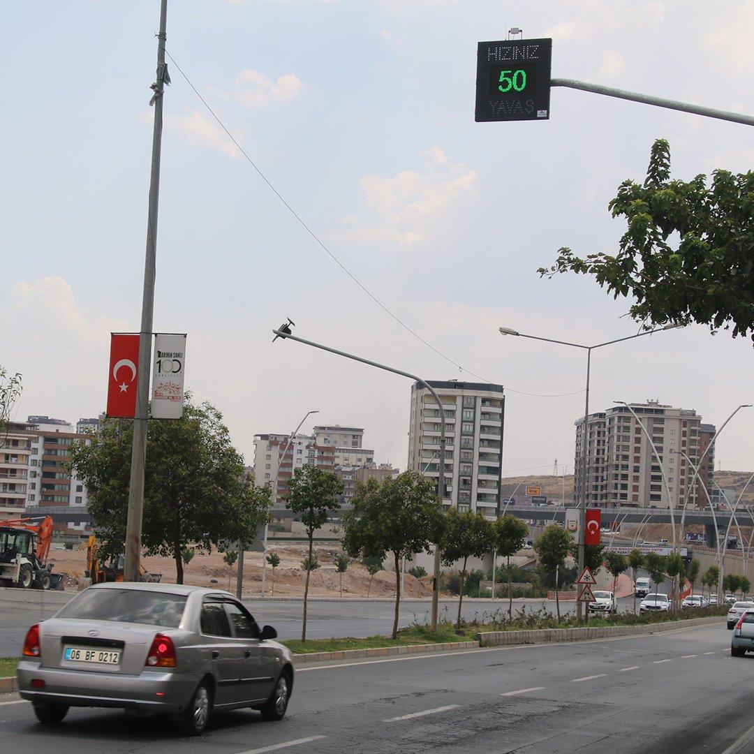 Şanlıurfa'da radarlı hız tespit göstergesi kuruldu