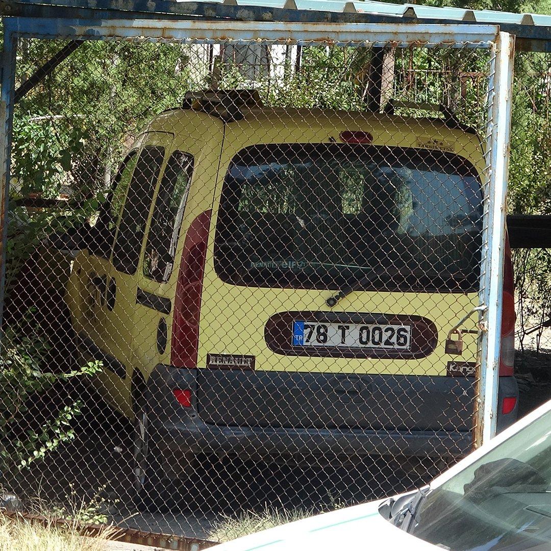 Taksi şoförü iple asılmış halde bulundu