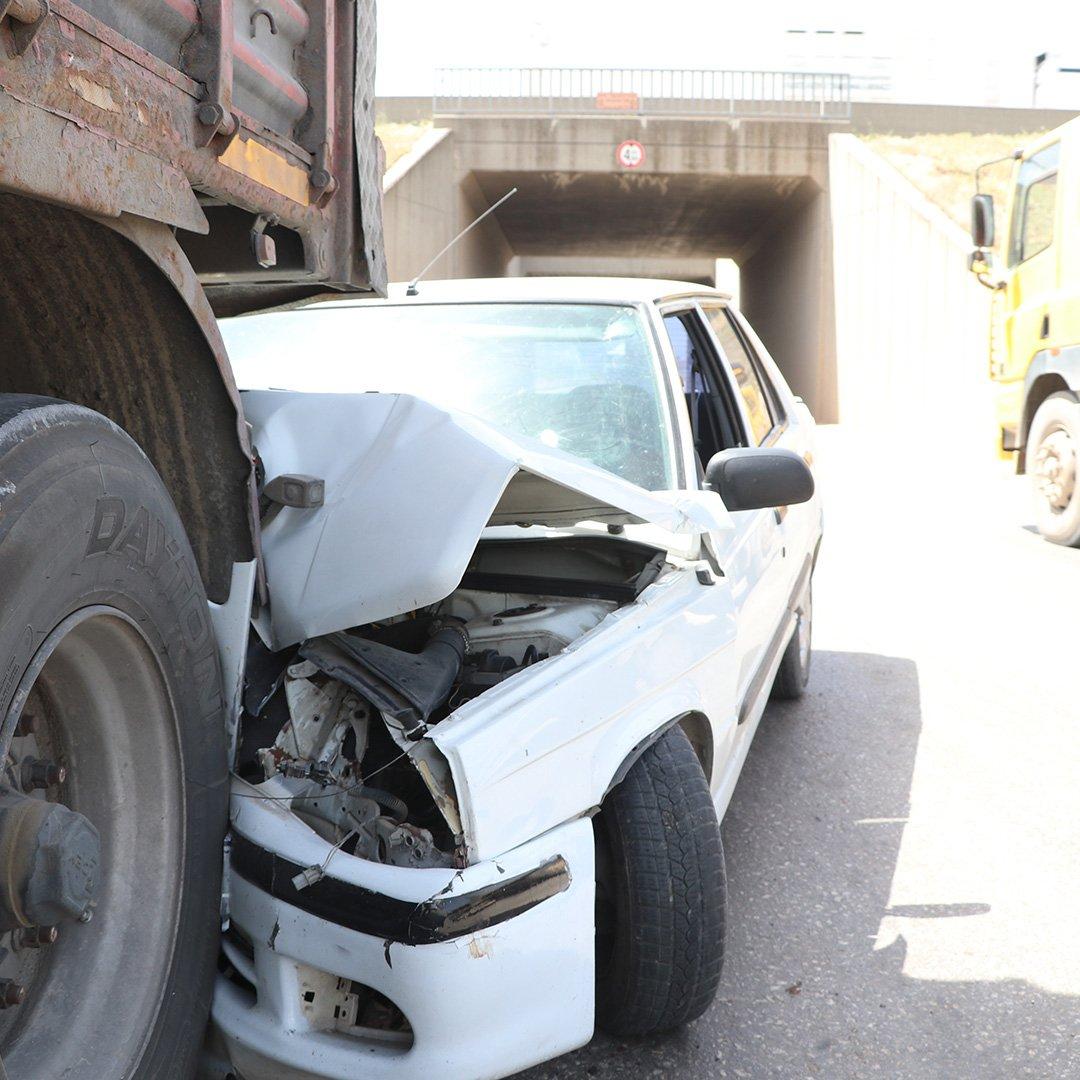 Tır kazaya neden oldu: 1 yaralı