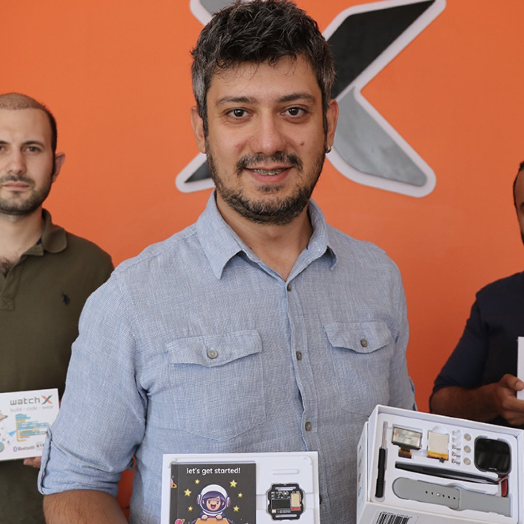 Türk mühendisler Amerika ve Japonya'ya akıllı saat ihraç ediyor